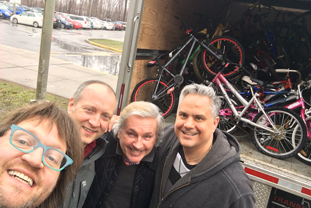 Le départ de l'Écolo à Vélo!